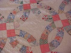 Vintage-1930s-DOUBLE-WEDDING-RING-QUILT-FEEDSACK-PIECES