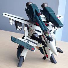 Yamato Macross VF-1S Strike Valkyrie
