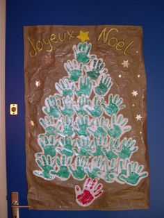 Cute idea for a classroom door or bulletin board! Christmas Tree Images, Diy Christmas Cards, Christmas Crafts, Xmas, French Teaching Resources, Primary Teaching, French Immersion, Classroom Door, Kindergarten Art