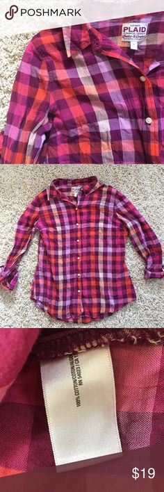 Old Navy Pink & Purple Button Shirt Size L. Can fit a Medium. Worn once. Beautiful colors! Lightweight and perfect with jeans and sneakers for a casual look! No snags, stains, or tears. Old Navy Tops Button Down Shirts