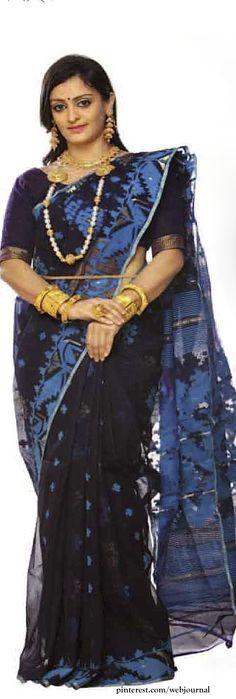Handwoven Dhakai saree