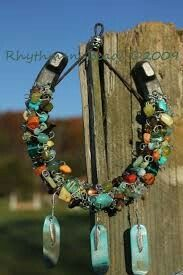 Rhythm Beads Hoofprints On Your Heart Horseshoe Art Wired Whinnies Feathers n Flair Stirrup Steeds Horseshoe Projects, Horseshoe Crafts, Lucky Horseshoe, Horseshoe Art, Horseshoe Ideas, Western Crafts, Western Decor, Bead Crafts, Arts And Crafts