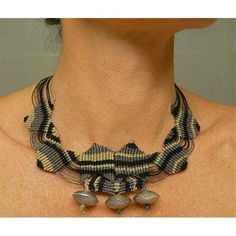 100 Sensational Statement Necklaces - From Paper Jewelry to Ornate DIY Adornements (TOPLIST)