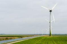De windmolens van Windpark Oldebroekertocht in Dronten. Hier wordt genoeg stroom opgewekt voor 10.900 huishoudens!