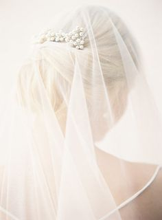 Wedding inspiration boards for bright-minded brides. Bridal Veils And Headpieces, Wedding Veils, Wedding Dresses, Veil Hairstyles, Wedding Hairstyles, Drop Veil, Fine Art Wedding Photography, Brides And Bridesmaids, Bridal Portraits
