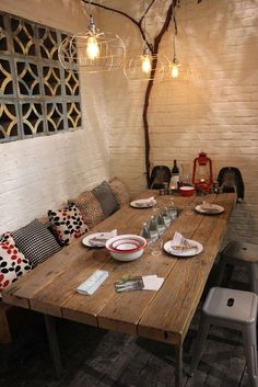 rustic outdoor eating area - earth inc table - saf affect