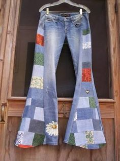 New patchwork pants hippie bell bottoms ideas Diy Jeans, Jeans Pants, Patchwork Jeans, Diy Clothing, Sewing Clothes, Hippie Jeans, Denim Ideas, Hippie Outfits, Boho Gypsy