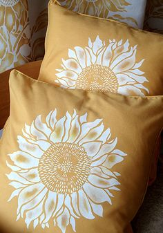 You searched for Sunflower Stencil - Henny Donovan Motif Sunflower Stencil, Sunflower Room, Sunflower Kitchen, Sunflower Nursery, Sunflower Head, My Living Room, Living Room Decor, Bedroom Decor, Cozy Bedroom