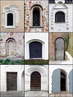 Проездом в Великом Новгороде. Окна и двери.