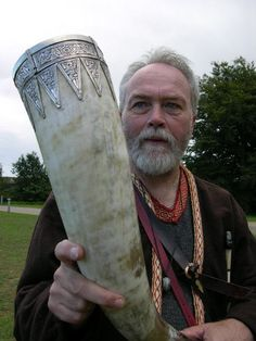 drinking horn...now that's a horn.