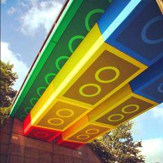 Street Art: LEGO Bridge - Sokak Sanatı: LEGO Köprü