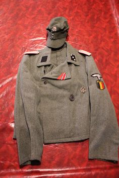 This covers the American and Allied uniforms used in WWII, and Korea and the Vietnam War found in the Mark Stone collection. German Uniforms, Military Uniforms, Military Jacket, Distinguish Between, Vietnam War, World War Ii, Ww2, Fashion Outfits, History