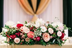 Gushing over these luscious florals captured by The Love Studio!  Florals: Flower 597