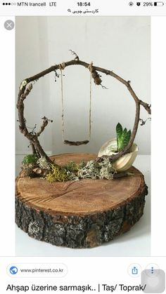 Ivy on wood. ivy on wood. decoration - Ivy on wood. disc decoration Ivy on wood. decoration Check more at garden. Deco Nature, Fairy Furniture, Twig Furniture, Miniature Furniture, Furniture Plans, Fairy Garden Houses, Diy Fairy House, Fairy Gardening, Fairies For Fairy Garden