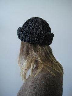 The Roll - Bulky Hand Knit Toque in Marled Charcoal