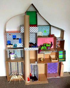 Casa de carton - cardboard dollhouse
