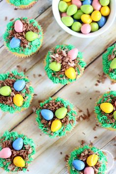 Simple cupcakes with bird's eggs and bird's nest on top for decorations! Perfect cupcakes for spring and Easter! Spring Recipes, Easter Recipes, Cupcake Recipes, Cupcake Cakes, Gourmet Cupcakes, Baby Cakes, Cup Cakes, Holiday Treats, Holiday Recipes