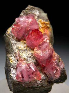 Rhodochrosite from Santa Eulalia, Chihuahua, Mexico [db_pics/pics/b162a.jpg]