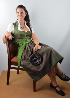 #Jagd Dirndl #Die Jägerin Saree, Fashion, Hunting, Kids, Moda, Fashion Styles, Sari, Fashion Illustrations, Saris