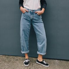 90s inspired baggy jeans crafted from soft cotton featuring a loose silhouette. Crafted from 100% cotton. Eligible for free UK delivery.|90's Era|Levi's Baggies| 90's Girl