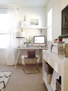 Cozy white & bright home office workspace
