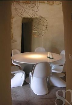 Replica mesa Tulip Saarinen tablero MDF laca blanca