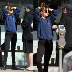 "684 Me gusta, 5 comentarios - Dakota Johnson Info  (@dakotajohnsoninfo) en Instagram: ""NEW | Dakota with a friend yesterday, March 4th in Los Angeles, California - US  ➖➖➖ NUEVO |…"""