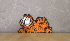 Garfield in perler beads by RavenTezea on deviantart