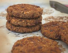 Meatless Monday: Kidney Bean-Quinoa Burgers EASY. boil quinoa. mash beans. spice it up. make sliders and fry em up...I wonder if they'll hold up on a grill. Maybe par-freeze first??