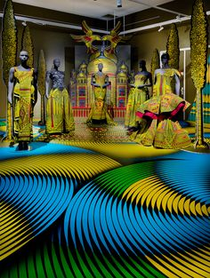 "Many fascinating stories of colonialism, manufacturing, selling, trading, culture, design and art make up the 170-year history of the iconic Dutch fabric design brand, Vlisco. An exhibition ""Vlisco 1:1 Un à Un"" at the Helmond Museum recently celebrated the anniversary of the company by telling many of the colourful stories and in particular elaborating on and …"