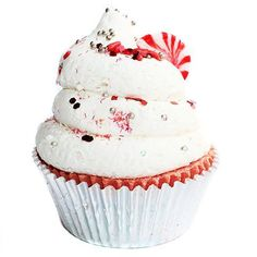 This Candy Cane Cupcake Bath Bomb is scented with a wonderful combination of fresh peppermint leaves on a dry down of vanilla and have been formulated to moisturize you skin while you sit back and relax in your hot tub. Plus the cupcake icing makes bubbles! A great stocking stuffer gift idea! (AFF)