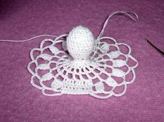 Szydełkowy anioł (wzór)/Crochet angel pattern - Her Crochet Crochet Christmas Ornaments, Christmas Crochet Patterns, Holiday Crochet, Crochet Snowflakes, Angel Ornaments, Crochet Gifts, Christmas Angels, Christmas Tree, Crochet Angel Pattern