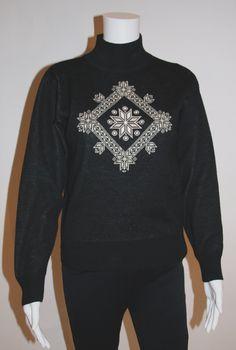 Vintage 1970s Sun Valley Sweater Ski Posters, Ski Sweater, Sun Valley, Vintage Winter, Snowflake Pattern, Glam Rock, Androgynous, 1970s, Mini Skirts