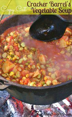 Barrel Copy Cat Vegetable Soup - Makes quarts A copy cat version of Cracker Barrel s Vegetable Soup! Fall comfort food at it s finest. A copy cat version of Cracker Barrel s Vegetable Soup! Fall comfort food at it s finest. Cracker Barrel Recipes, Cracker Barrel Vegetable Soup Recipe, Crockpot Vegetable Soup, Veggie Soup, Homemade Vegetable Soups, Cracker Recipe, Vegetable Stew, Slow Cooker Recipes, Cooking Recipes