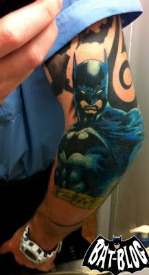 Bat tat (i think i want to sneak some marvel heros into my sleeve(small but i can point them out :)).ewwwwww I likey for Me. Comic Tattoo, Batman Tattoo, Book Tattoo, I Tattoo, Sleeve Tattoos, Geek Tattoos, Trendy Tattoos, Batgirl, Tattoo Designs