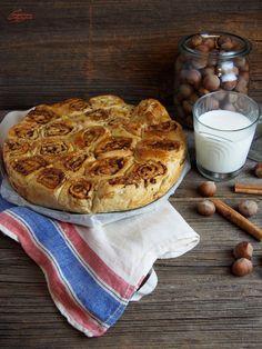 Cynamonowe szczescie: Odrywane cynamonki Waffles, Pie, Breakfast, Food, Torte, Morning Coffee, Cake, Fruit Cakes, Essen