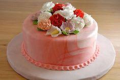 Pasta di zucchero senza glucosio - Torta con bouquet