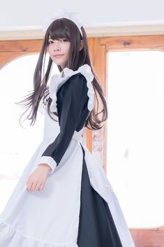 Female Pose Reference, Maid Uniform, Maid Outfit, Cute Japanese Girl, School Girl Outfit, Cute Beauty, Female Poses, Kawaii Girl, New Outfits