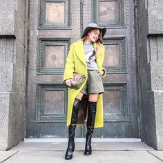 FALL IN LOVE Ноябрь может быть тёплым! Тебе просто нужно идеальное пальто На Тане: шерстяные шорты высокой посадки актуального фисташкового оттенка тёплый свитшот и пальто из 100% шерсти московского бренда I AM STUDIO кожаные ботфорты MIISTA шляпа с широкими полями из новой коллекции #LOMONOSOVA22 и сумка петербургского дизайнера LIZA ODINOKIKH Доказано: в девушек в образах из #LOMONOSOVA22 влюбляются чаще! by lomonosova22