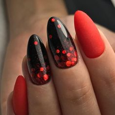 Beautiful Nail Art Ideas for Red Manicure - If you want a new manicure but can't think of a new one, red nail polish is definitely the best c - Red Black Nails, Red Gel Nails, Red Manicure, Red Nail Art, Gray Nails, Fun Nails, Acrylic Nails, Matte Red, Nail Effects