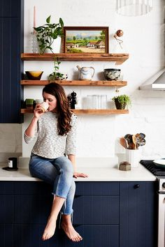 Fabulous Navy Kitchen Cabinets Design Ideas - There are many shades of blue from the darkest navy reminiscent of a night sky to the palest duck egg. Light blue is often a color chosen for classic . Navy Blue Kitchen Cabinets, Navy Cabinets, Ikea Cabinets, Kitchen Cabinet Design, Kitchen Reno, Diy Kitchen, Kitchen Remodel, Country Kitchen, Kitchen Interior