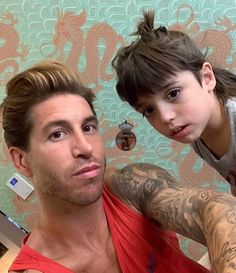 GN 😃❤️ . . 🔸🔸🔸🔸 Capitán por favor sigue mi página 💓 @sergioramos @pilarrubio_oficial 🔸🔸🔸🔸 . . . . Follow ➡️ @ramos_iri  Follow ➡️ @ramos_iri Iranian, Favors, Instagram, Sergio Ramos, Presents, Guest Gifts, Gifts, Little Gifts