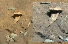 Alien-thigh-bone-on-Mars
