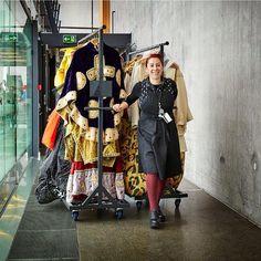 Gled dere!  Kostymeperler fra Den Norske Opera & Ballett kommer på Blomqvist Nettauksjon snart!  Følg med! Se link i bio. Foto: Blomqvist  #kostymer #costume #dennorskeopera #blomqvist #blomqvistnettauksjon #blomqvist_auksjoner #instadaily #picoftheday