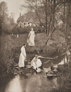 At Shottery Brook (Unbound plate from The Homes and Haunts of Shakespeare). Photographer: James Leon Williams (North American, 1852 - died 1920 or Place of origin:United States Date: ca. Vintage Pictures, Old Pictures, Vintage Images, Old Photos, British History, American History, Fosse Commune, Portraits Victoriens, Woman Drawing