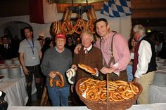 Weisswurstparty #Klitschko #Lauda (via @stanglwirt) - www.stanglwirt.com Paella, Party, Sausage, Meat, Ethnic Recipes, Food, Celebrations, Eten, Sausages