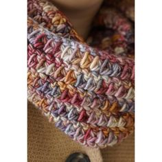 Aran weight yarn 5 mm hook One skein cowl free crochet pattern by LittleDoolally One Skein Crochet, Crochet Scarves, Crochet Shawl, Crochet Clothes, Crochet Stitches, Chunky Crochet Scarf, Knitted Cowls, Crochet Granny, Double Crochet