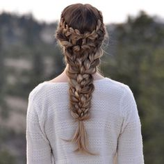Hairstyles and Beauty: The Internet`s best hairstyles, fashion and makeup pics are here. Pretty Hairstyles, Braided Hairstyles, Wedding Hairstyles, Curly Hair Styles, Natural Hair Styles, Hair Upstyles, Mermaid Hair, Mi Long, Hair Art