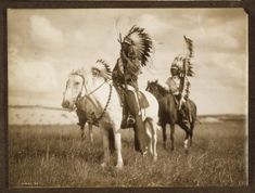 Native American Sioux Indian Chiefs on horseback. Photograph by Edward Curtis in Native American Photos, Native American Tribes, Native American History, American Indians, American Life, American Women, American Religion, American Quotes, Edward Curtis