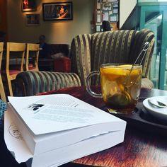 #saladbook #herbata #ksiazka #jasonhunt #czytamdalej #blogerisocialmedia #nero #caffenero Byłam dziś dzielna  należy się relaksik by saladbook